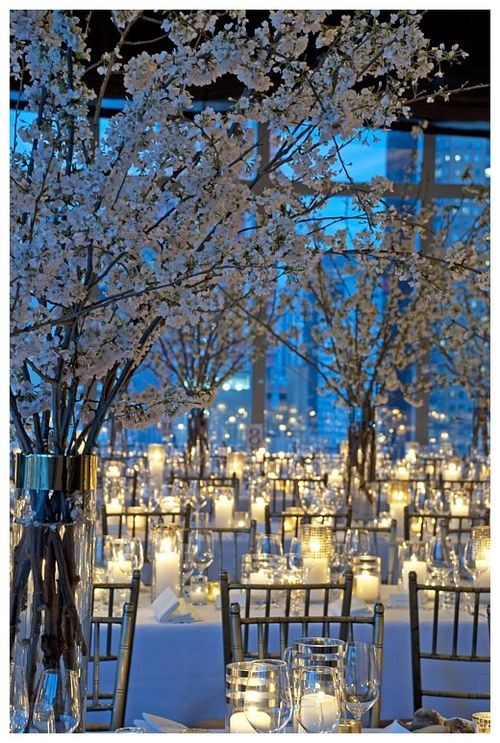 winter-wedding-decor-trees-candles